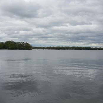 Pelican Bay Marina (McKinney's East) | Chain O' Lakes Guide
